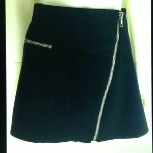 💋Zara Trafaluc A Line Zip Accent Mini Scuba Skirt